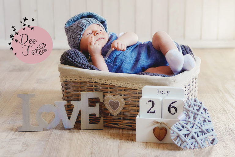 neugeorenen-foto-fotograf-baby-familien-stinkefinger-shooting-outtakes-baby
