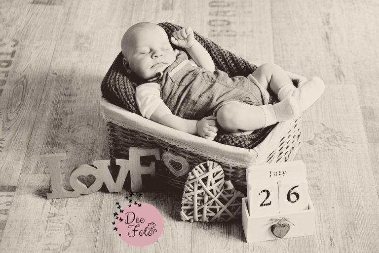baby-familien-fotograf-neugeborene-amberg-sulzbach-rosenberg-neukirchen-hohenstadt-hersbruck-lauf-kind-portrait2